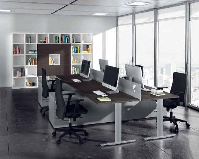 Schreibtisch für open space holz metall modern must
