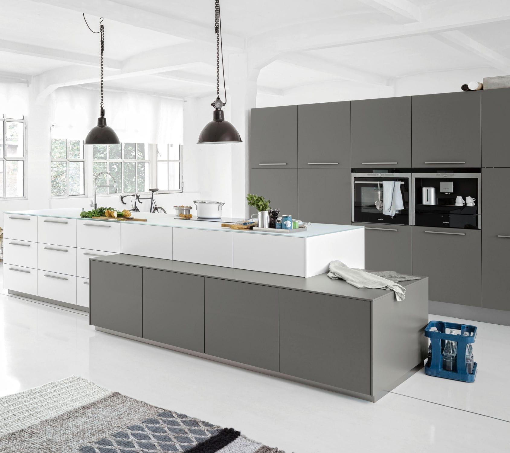 Moderne Küche / Lackiertes Holz / Glas / Kochinsel   SOFT LACK ARCTIC/QUARZ