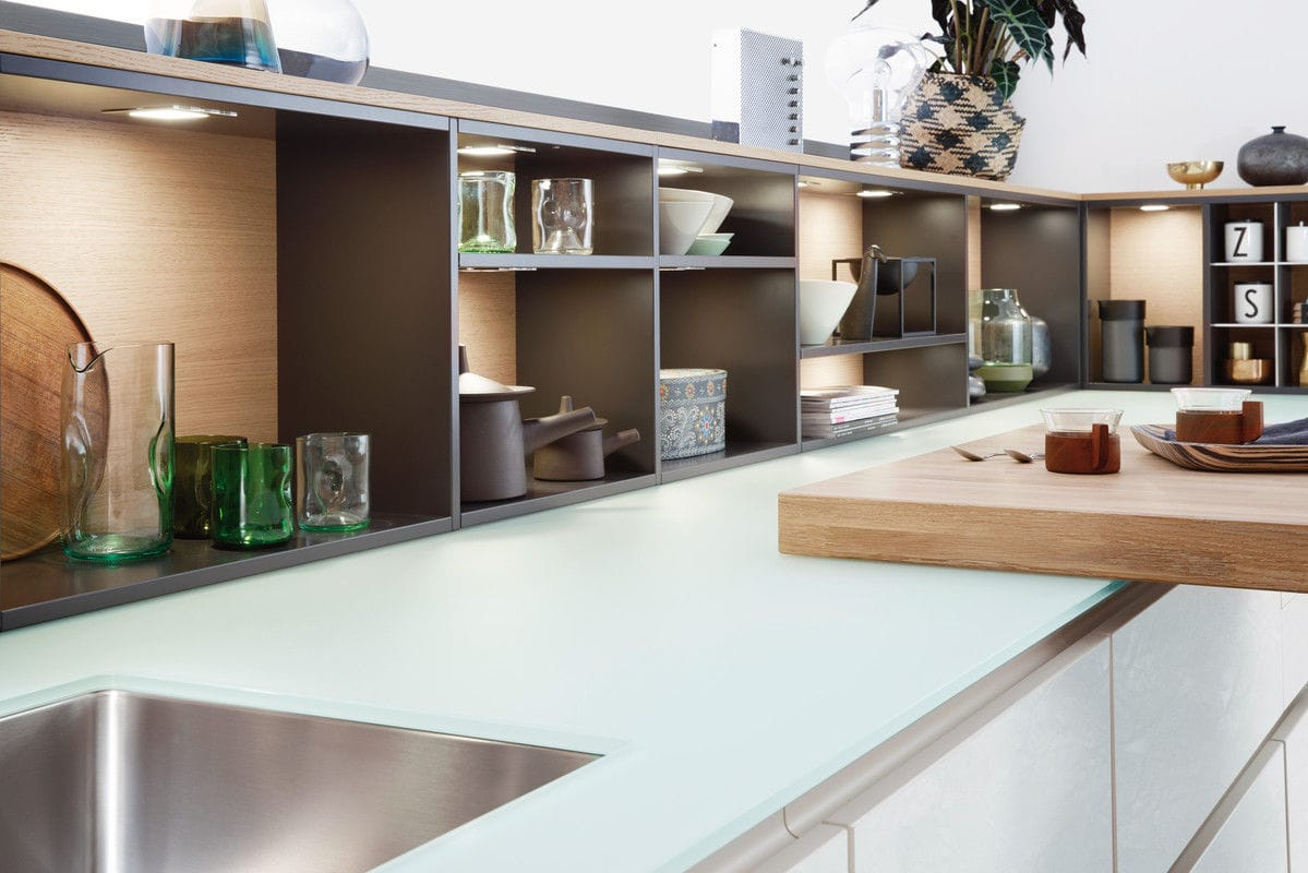 Emejing Glas Arbeitsplatte Küche Contemporary - Milbank.us ...
