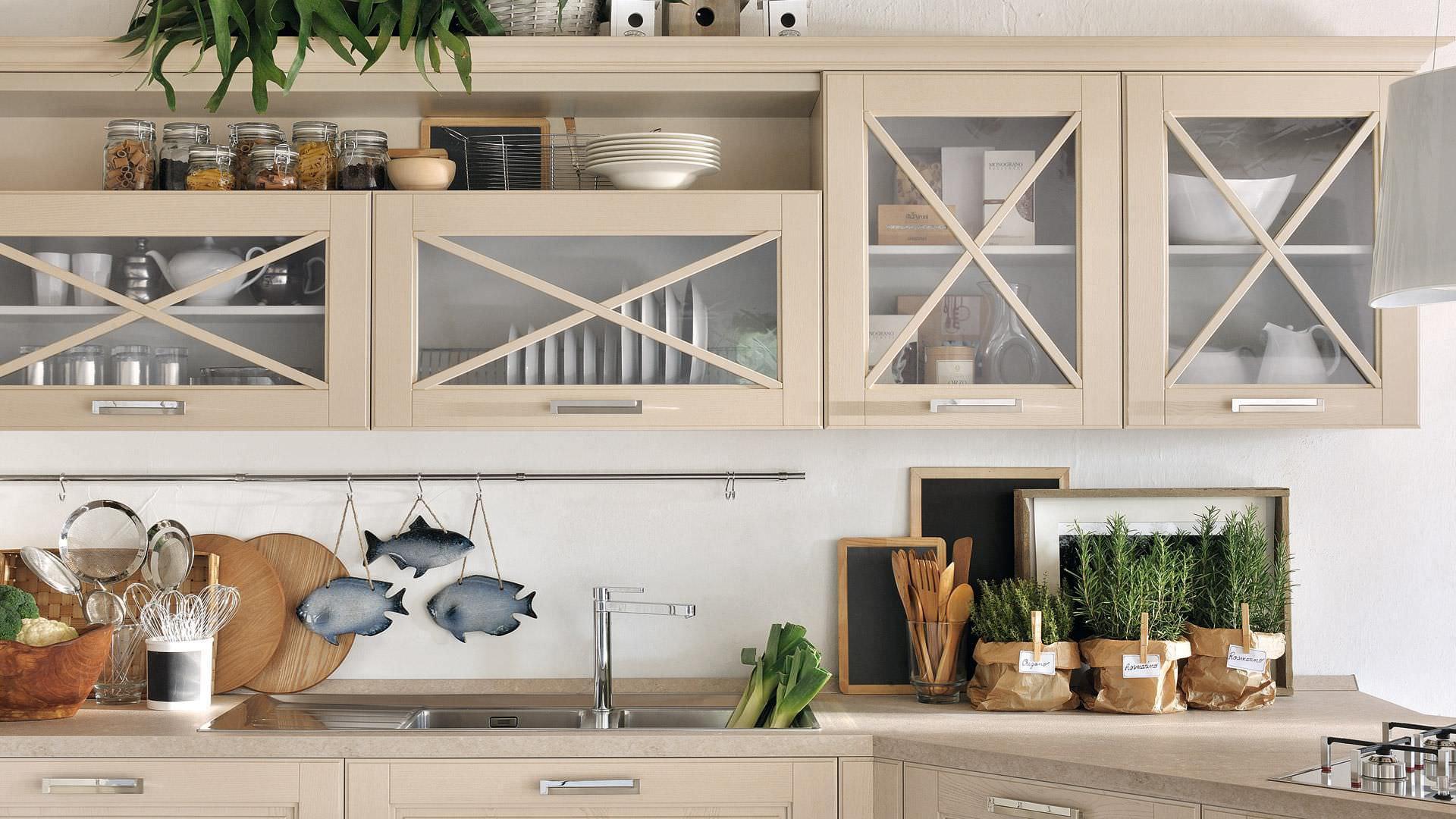 Klassische Küche / Massivholz / mit Griffen - AGNESE - CUCINE LUBE