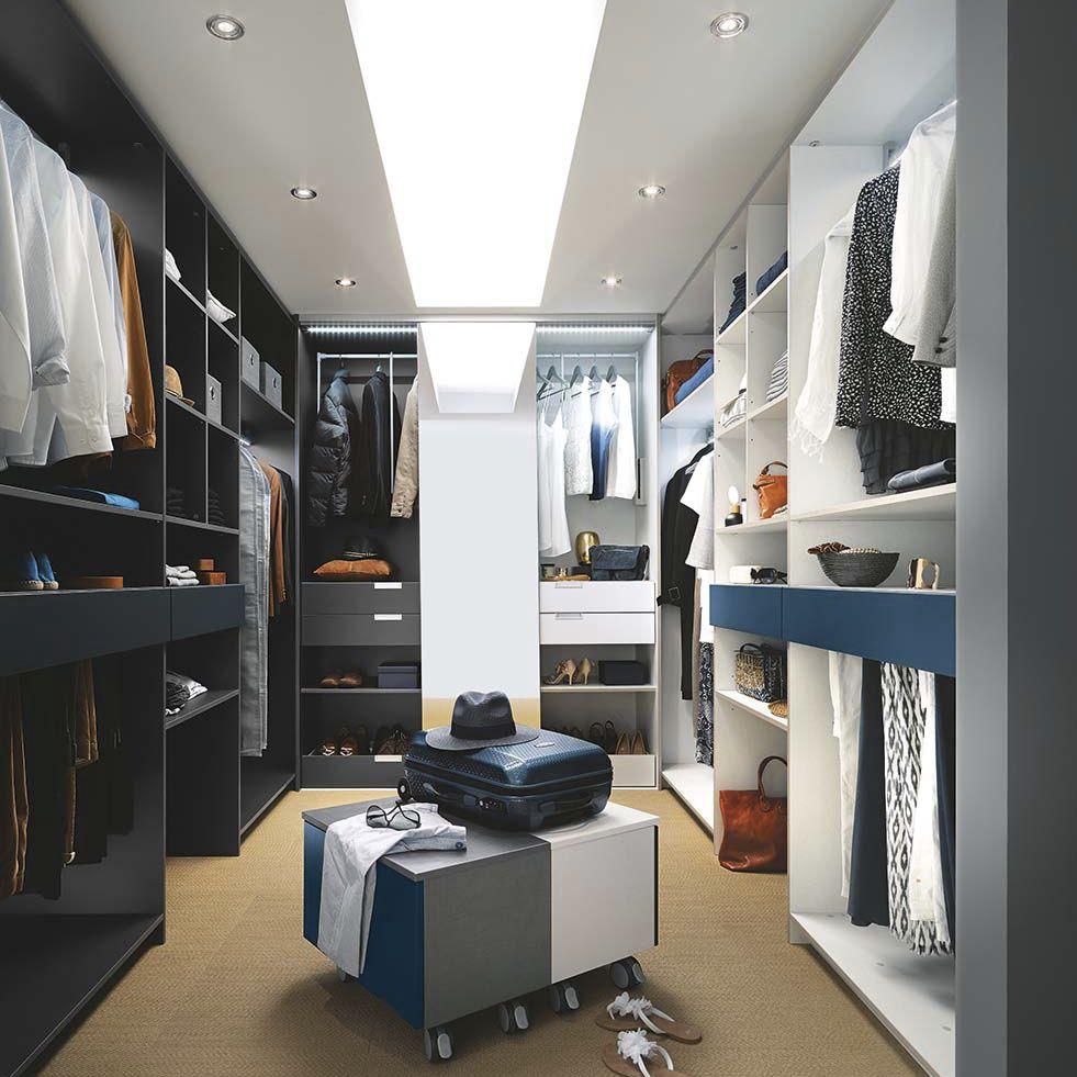 Begehbarer kleiderschrank modern  Begehbarer -Kleiderschrank / Wandmontage / modern / lackiertes ...