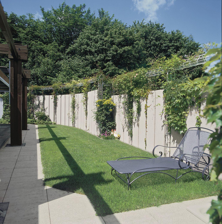 Lovely ... Gartenzaun / Platten / Beton ...