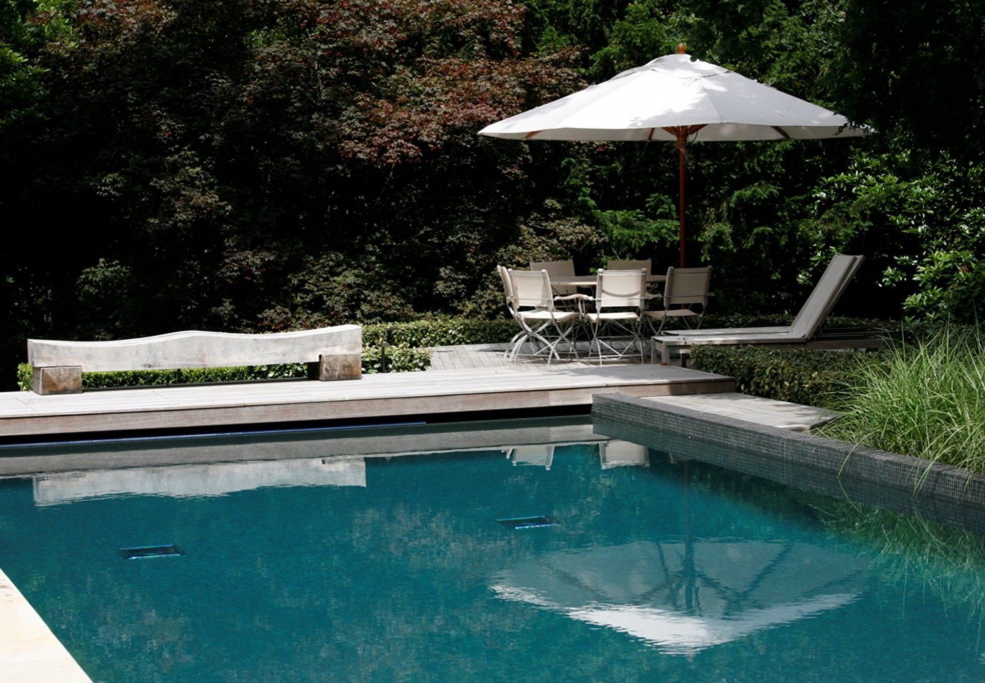 Erdverlegtes Schwimmbecken / Beton / Natur / Außenbereich - SURREY ...