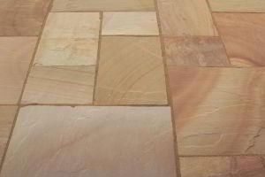 Aussenbereich Fliesen Fur Boden Wand Aus Sandstein Golden