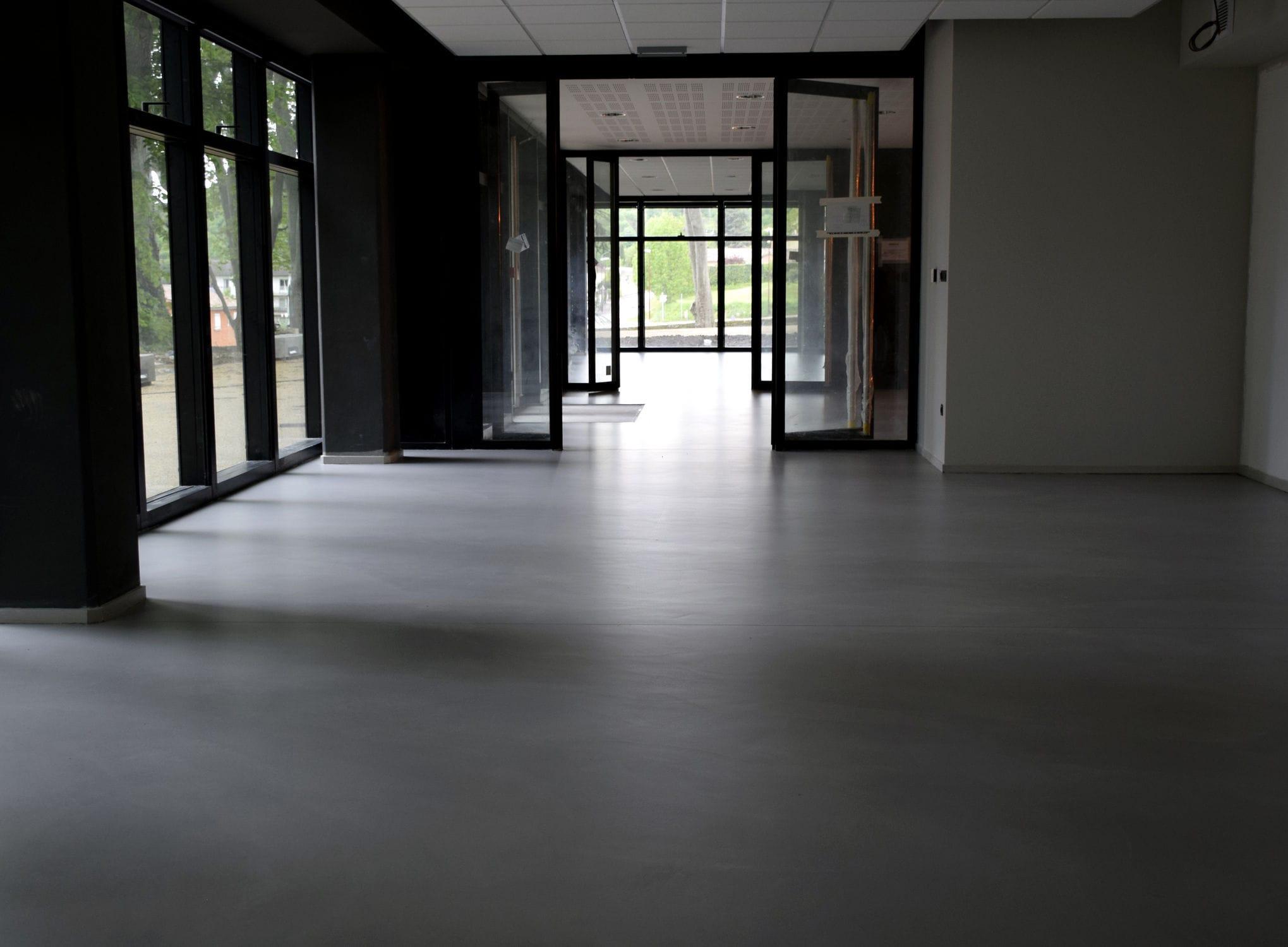 Beton Bodenbelag Fur Offentliche Einrichtungen Glatt Hochglanz
