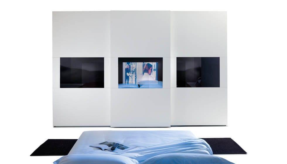 Moderner Kleiderschrank / Glas / Schiebetüren / integriertem TV ...
