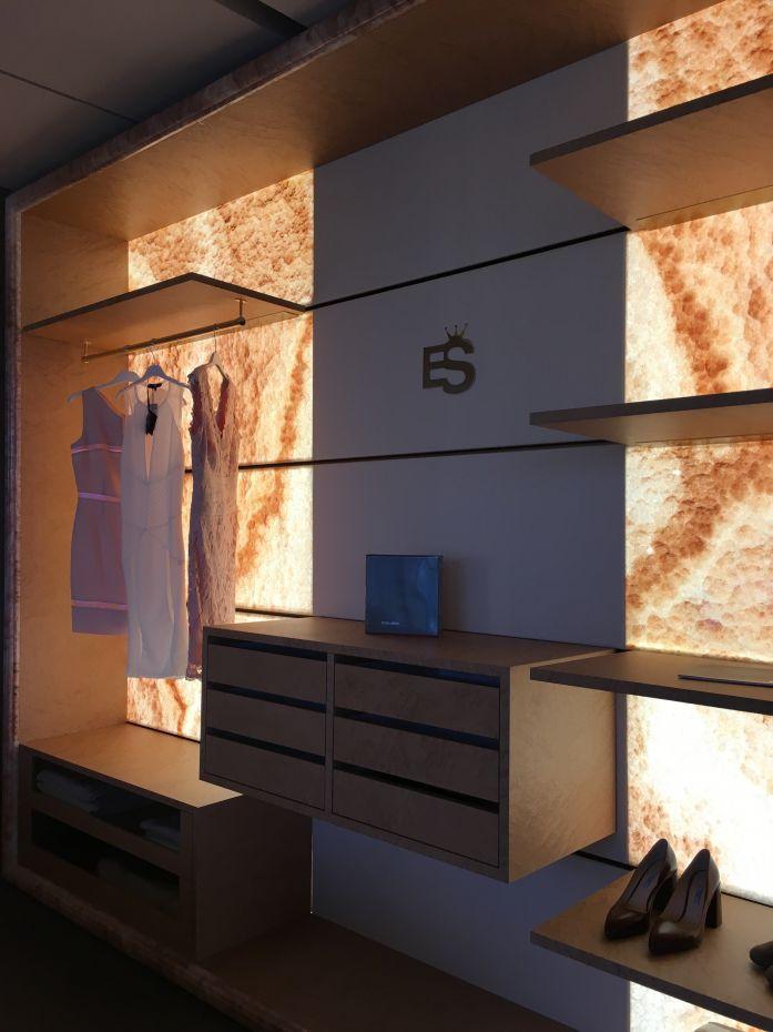 Wandmontierter Begehbarer -Kleiderschrank / modern / Holz / mit ...