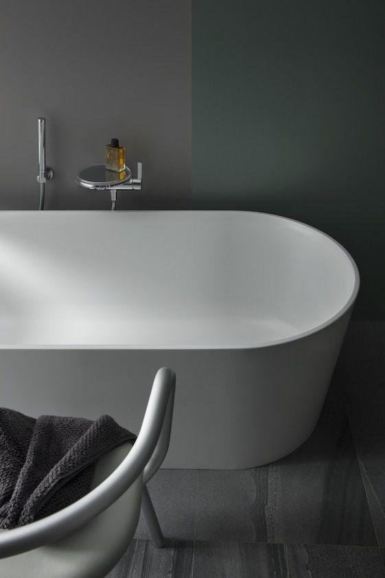 Freistehende Badewanne / oval / Keramik - VAL - LAUFEN