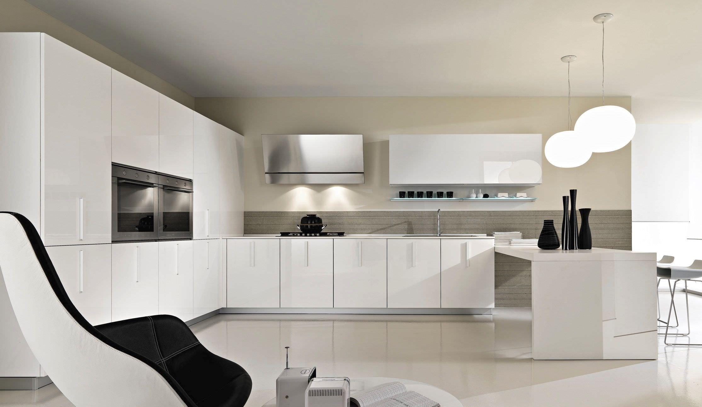 Moderne Küche / Glas / Lackiert   MAGIKA