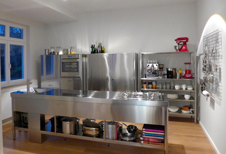 Moderne Küche / Edelstahl / Kochinsel / mit integriertem Griff ...