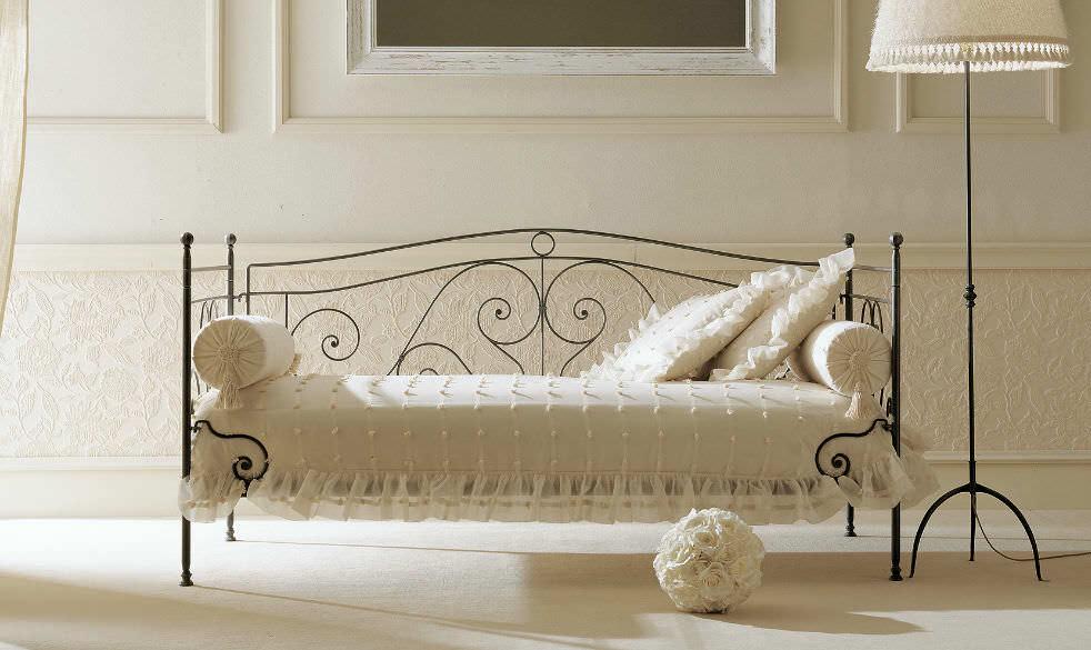 Einfaches Bett Klassisch Schmiedeeisen Felipe Sofa Giusti Portos