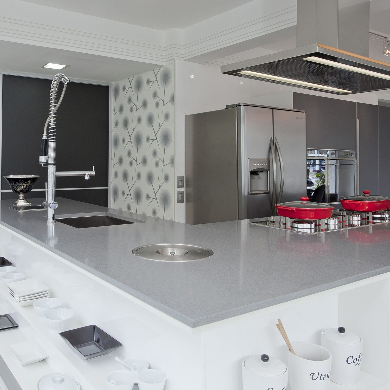 Silestone®-Arbeitsplatte / Küchen / grau - EXPO - Cosentino