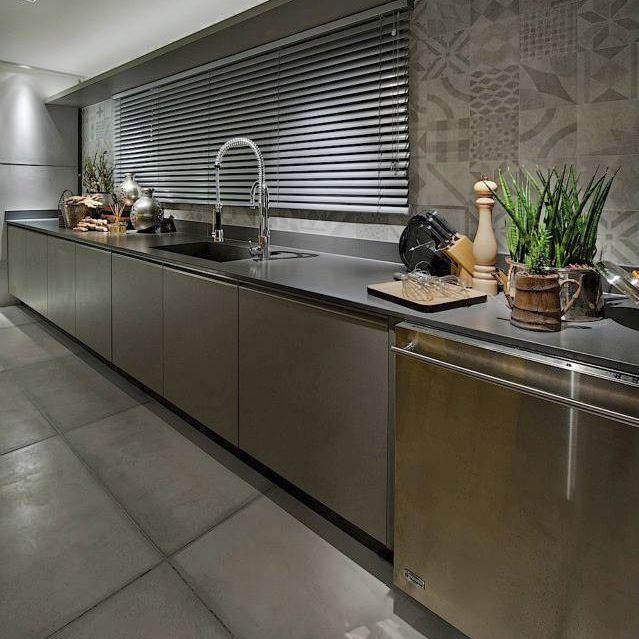 Silestone® Arbeitsplatte / Küchen / Schwarz / Grau   CARBONO
