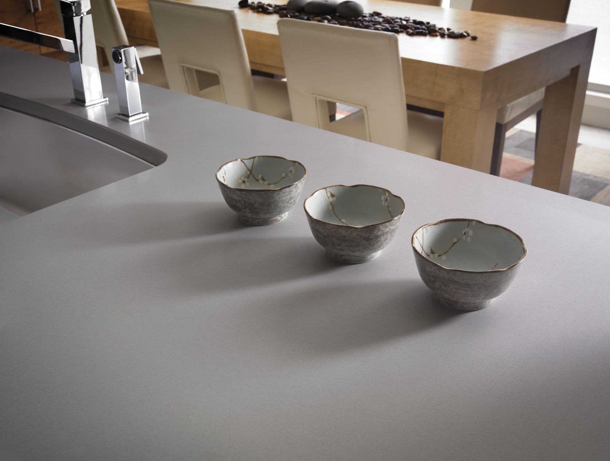 Silestone®-Arbeitsplatte / Küchen / grau - KENSHO - Cosentino