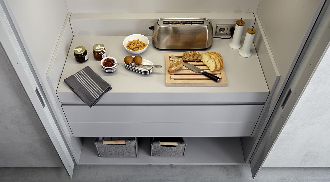 Moderne küche holz kochinsel versteckte cemento fresno humo dica