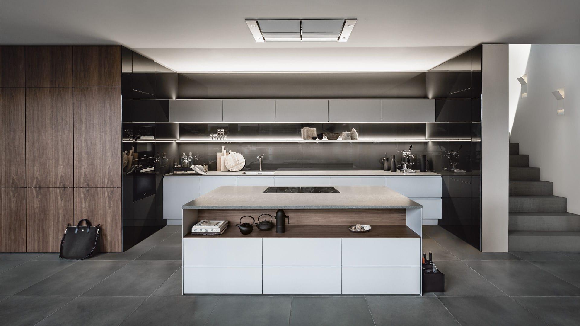 Moderne landhausküche siematic  Moderne Küche / lackiertes Holz / Holzfurnier / Kochinsel - PURE ...