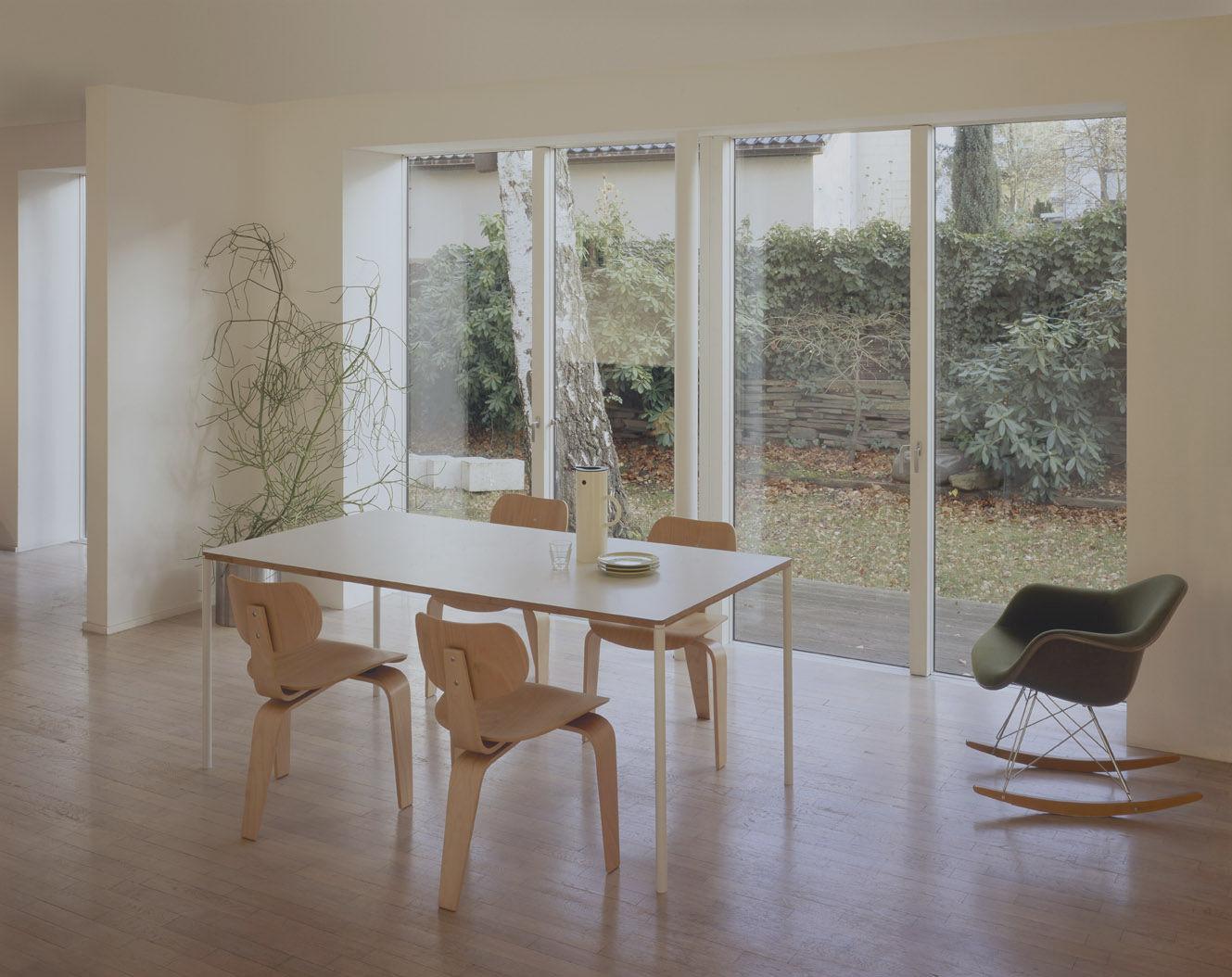Moderner Besucherstuhl Holz Se 42 By Egon Eiermann Wildespieth