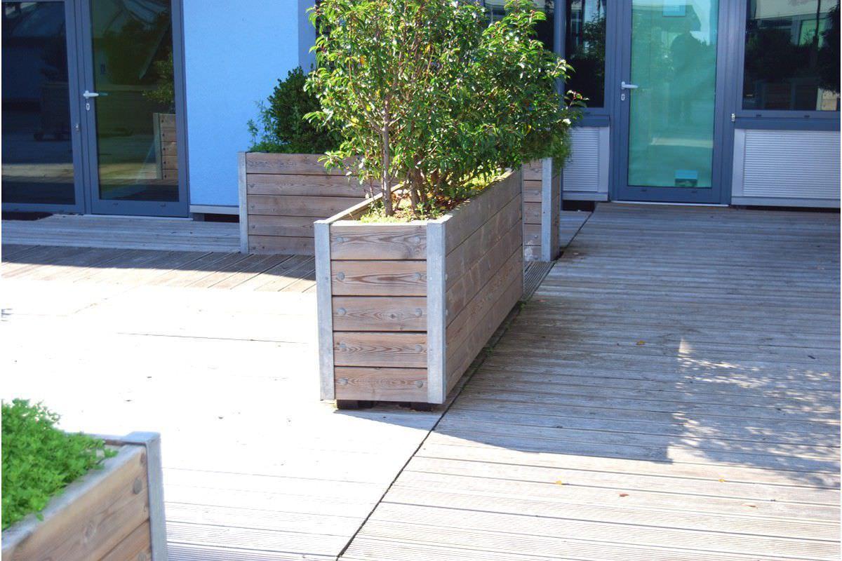 ... Metall Pflanzkübel / Holz / Rechteckig / Integrierter Bank MEWS Street  Design ...