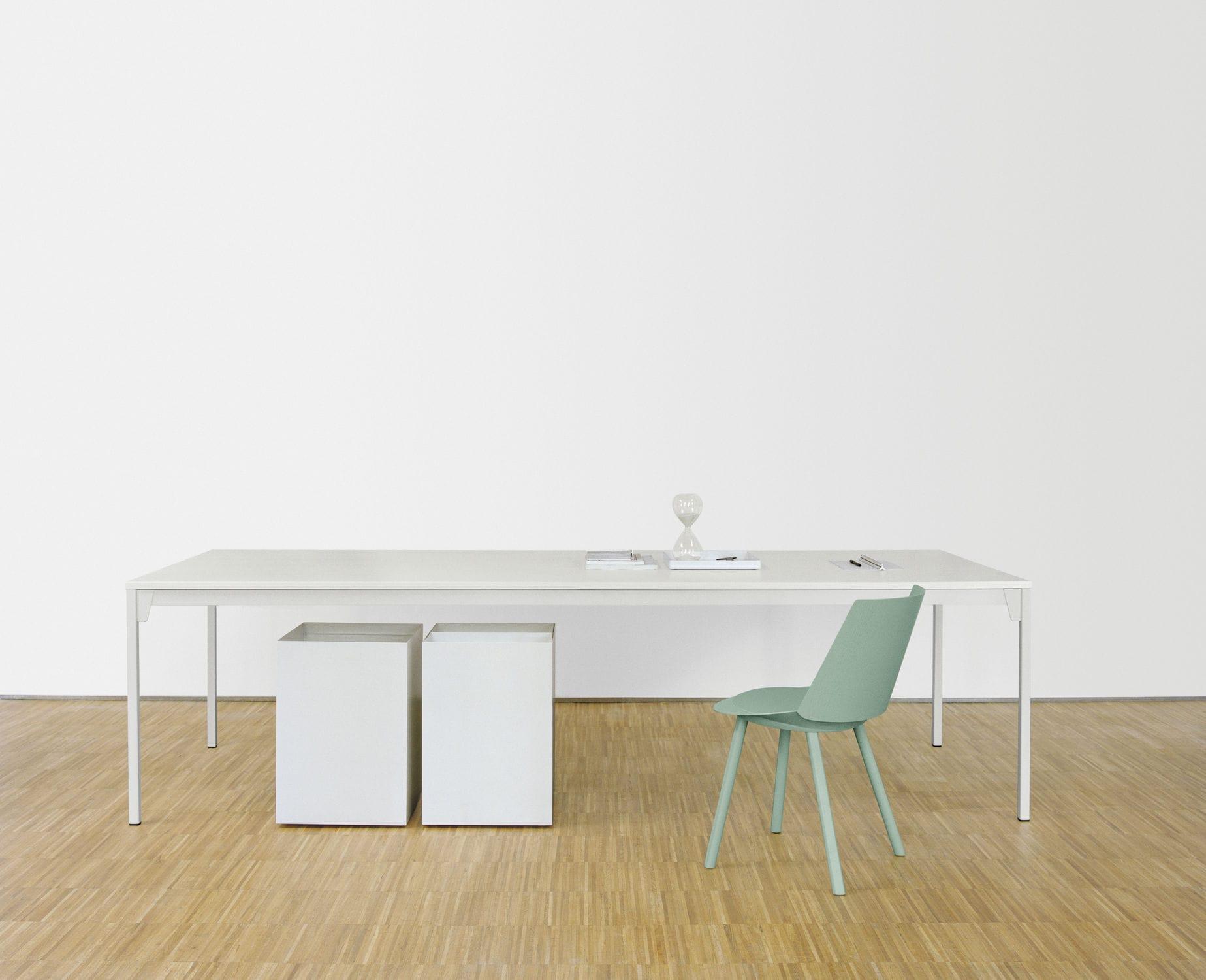 ... Moderner Tisch / Stahl / Aus Eiche / Lackiertes Holz FK07 FRANKFURT By  Ferdinand Kramer E15 ...