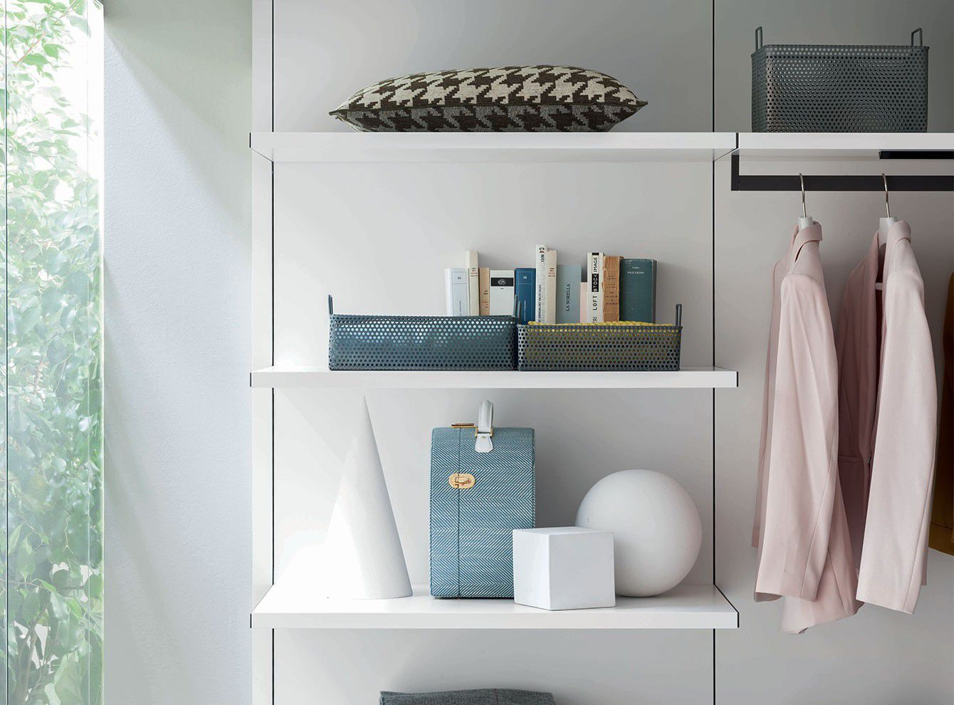 Eck sideboard modern  Begehbarer -Kleiderschrank / Eck / modern / Holz / Schiebetüren ...