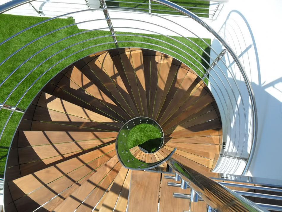 Schrägverzahnte treppe / holzstufen / gestell edelstahl / ohne ...