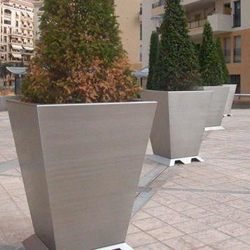 Metall-Pflanzkübel / modern / für öffentliche Bereiche - MONACO ...