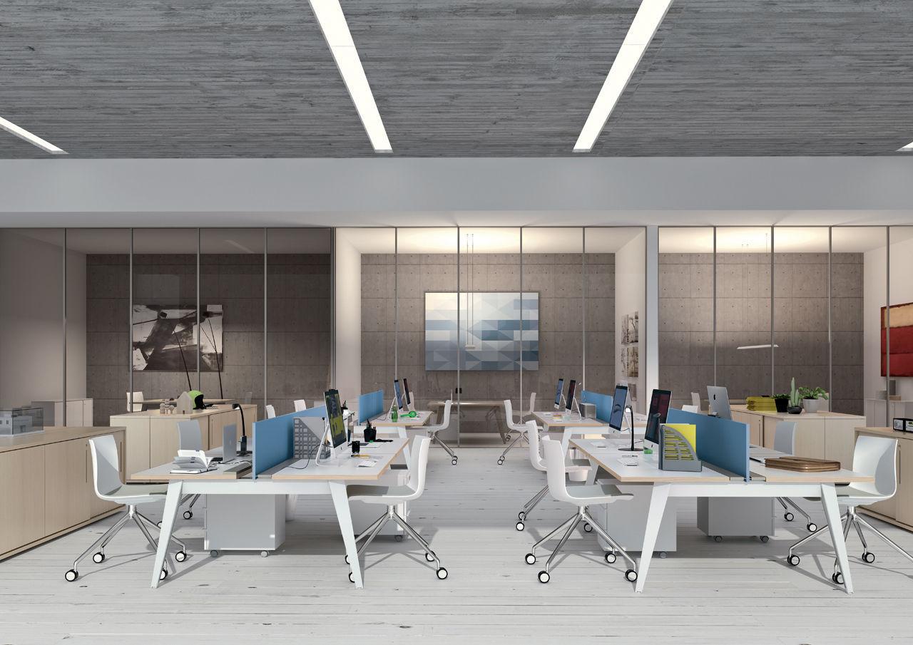 Un bureau open space sans table ni chaise bilan