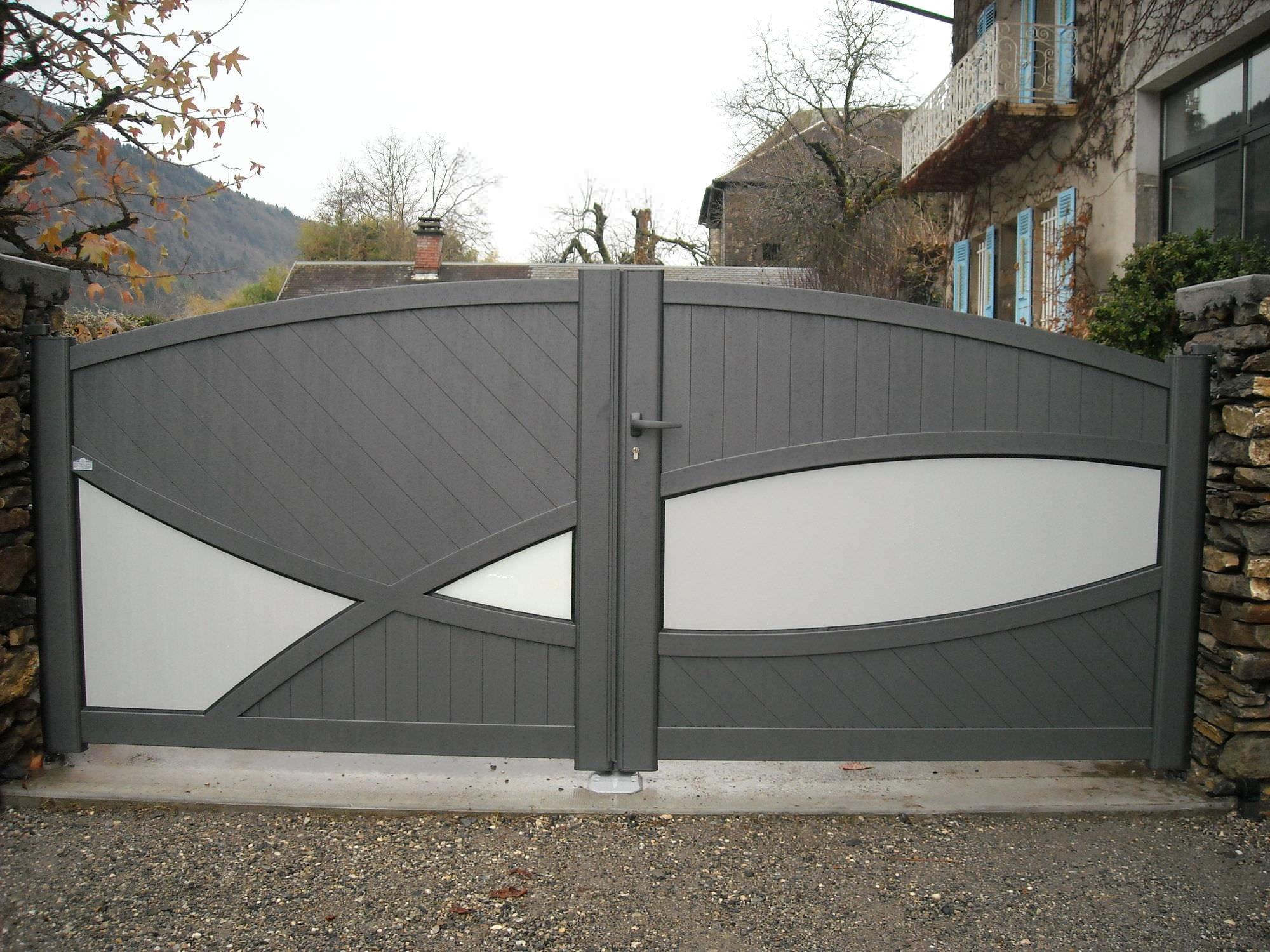 Einflügelige Tore aus Aluminium Platten Privatgebrauch