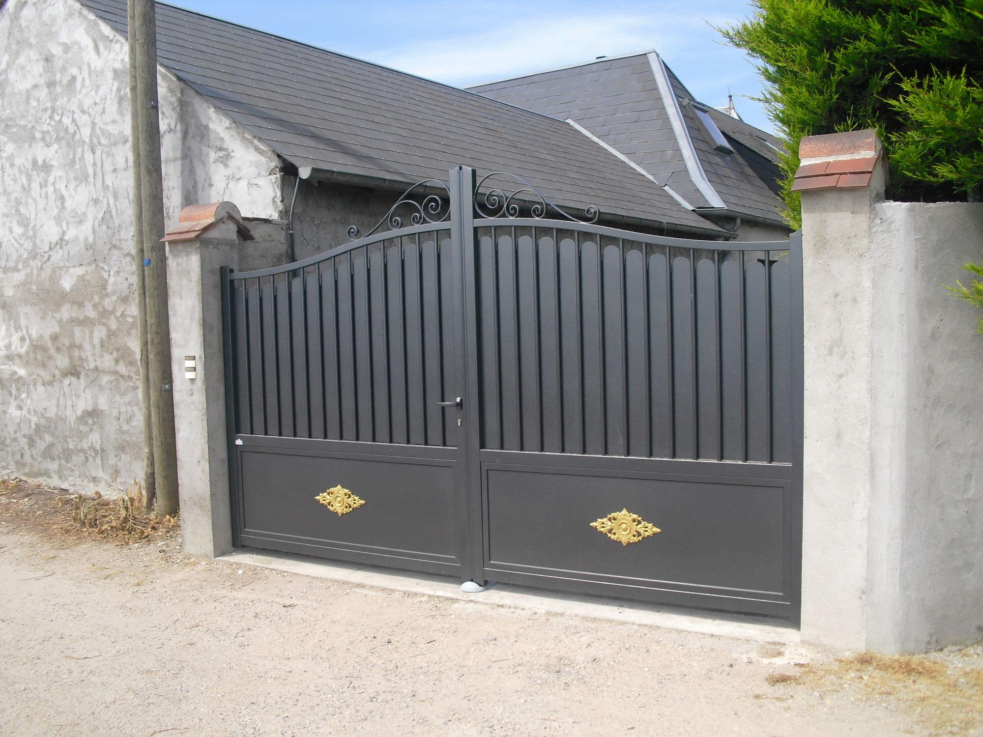 Einflügelige tore aluminium platten für wohnbereich elegance premium