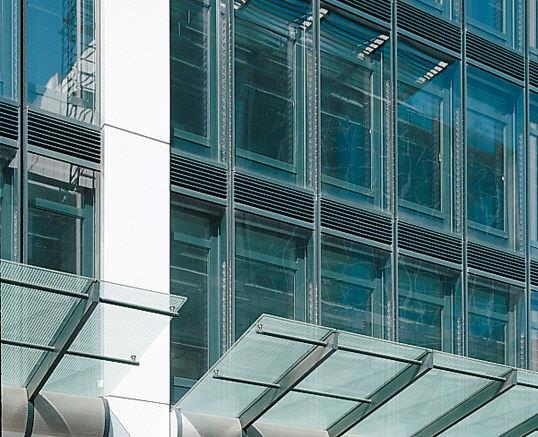 Fassade glas  Hinterlüftete Fassade / Glas - EUROTHEUM by Novotny Mähner + ...