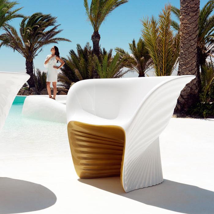 Sessel / Organisches Design / Rotationsgesintertes Polyethylen / Von Ross  Lovegrove / Garten   BIOPHILIA