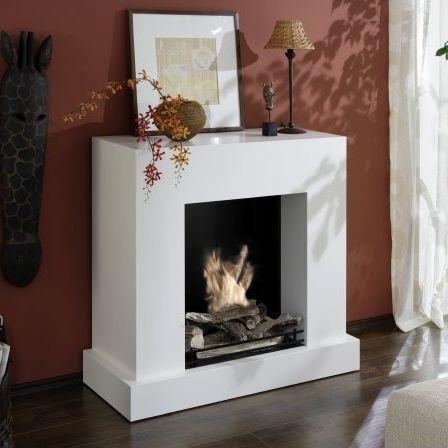 dekorative Glasscheibe schützt zum Teil vor offenem Feuer