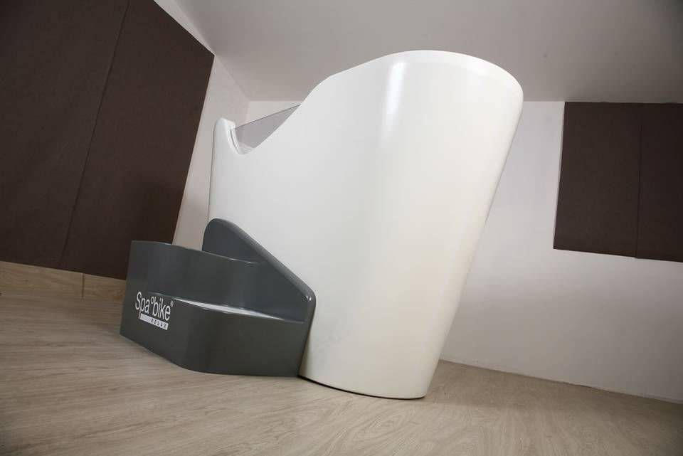 Badewanne halb freistehend  Freistehende Badewanne / oval / aus Acryl / Massage - RELAX - DYNAMIKA