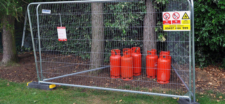 Zaun für öffentliche Bereiche / für Sportplätze / für ...
