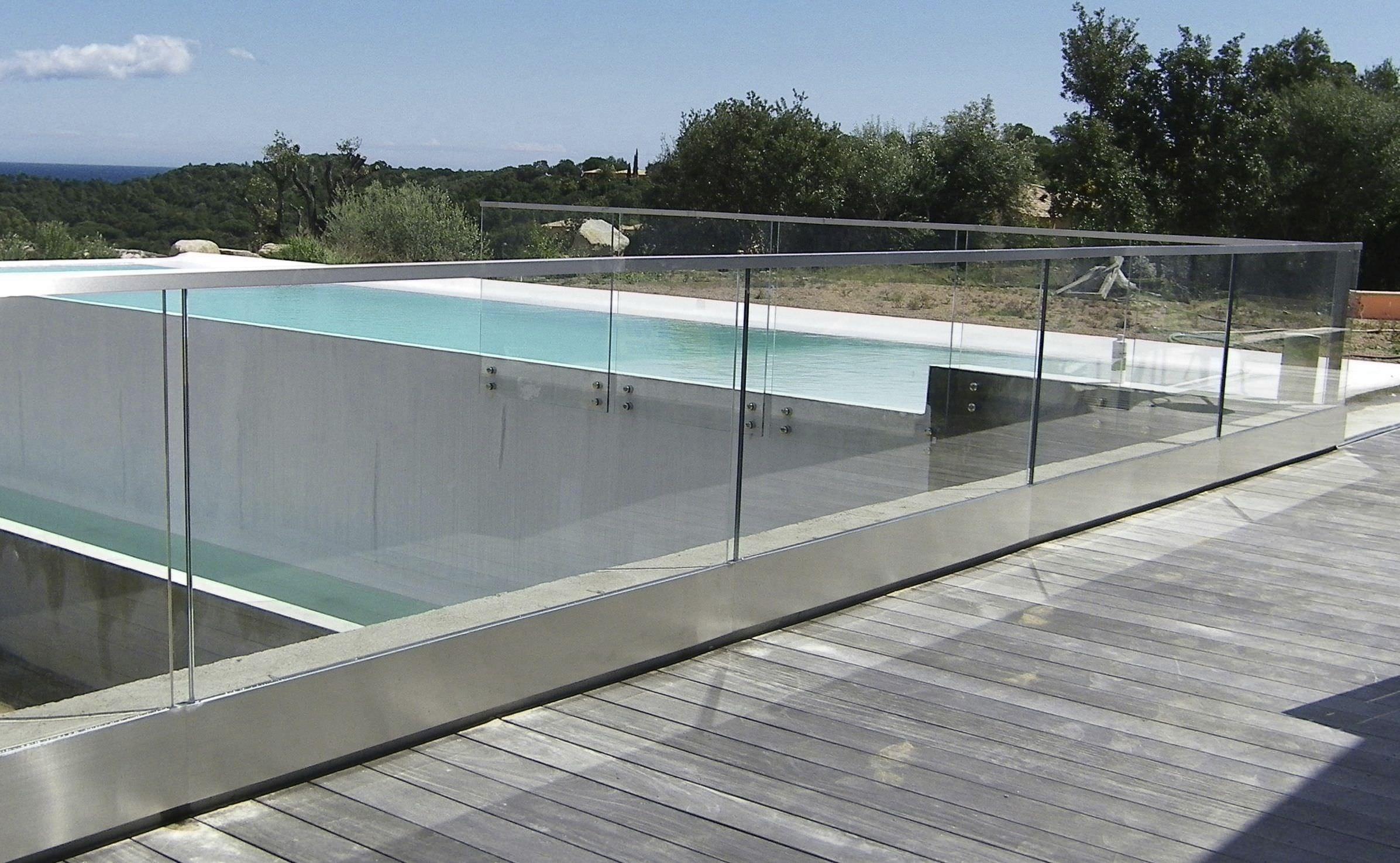 Glasgelander Glasplatten Aussenbereich Fur Balkon Raily