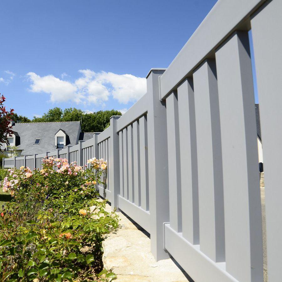 Gartenzaun Lamellen aus Aluminium gefärbt HEOL Cadiou