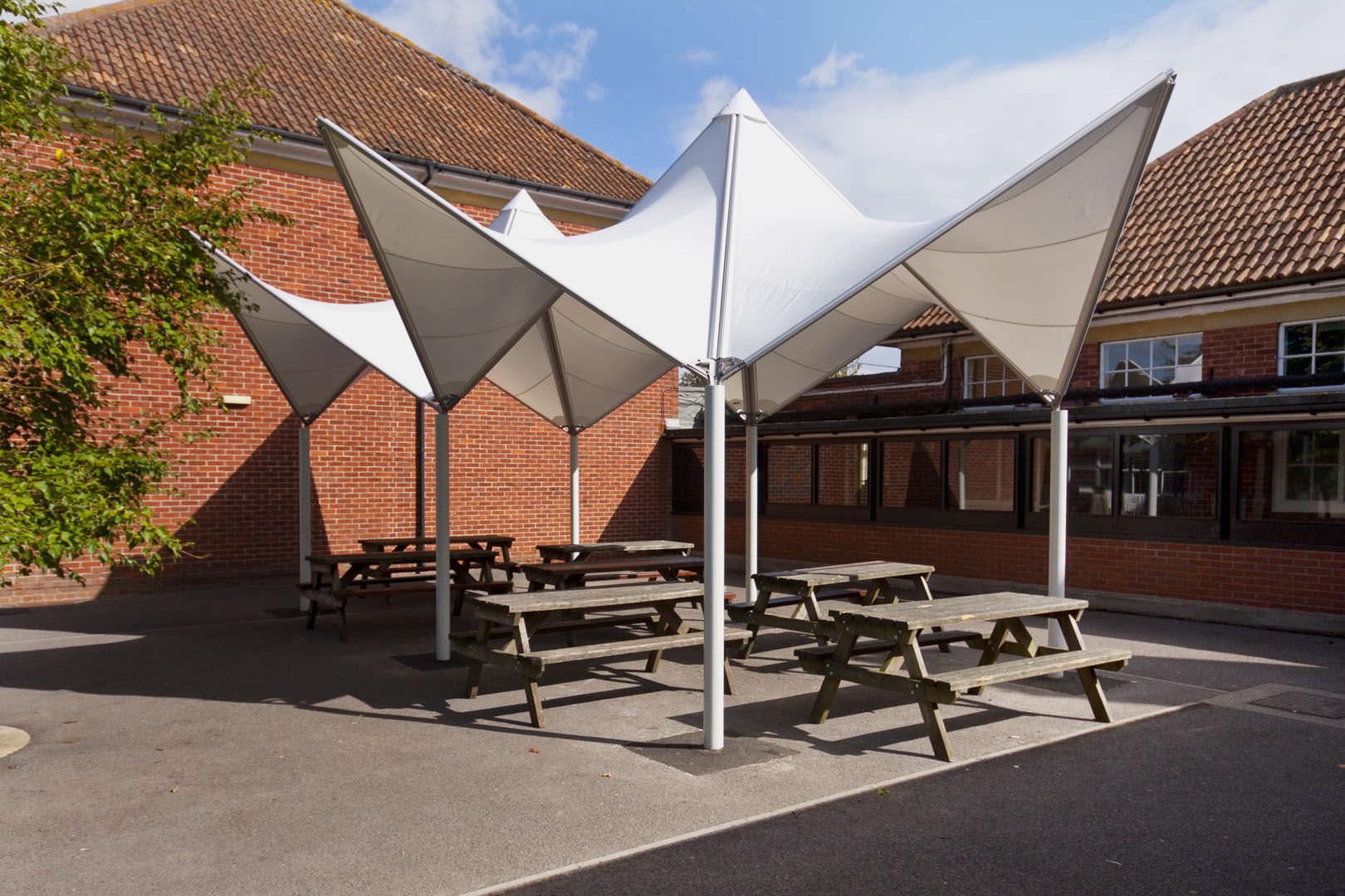 Vordach Flächentragwerk / Metallrahmen / PVC-Folie / für Spielplätze ...