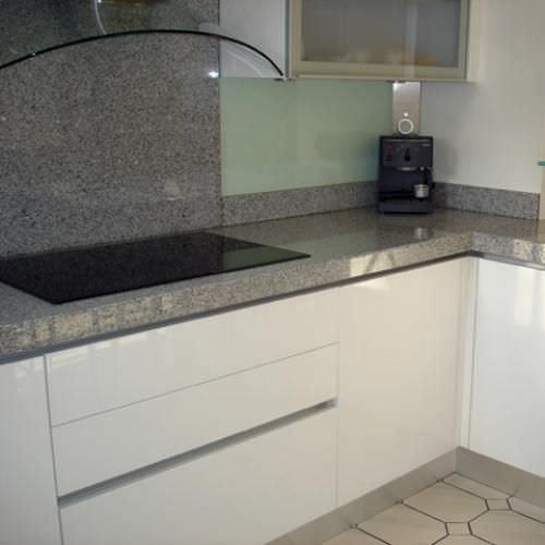 Marmor Arbeitsplatte / Küchen - GRIS PERLE POLI - MARBRERIE DES YVELINES