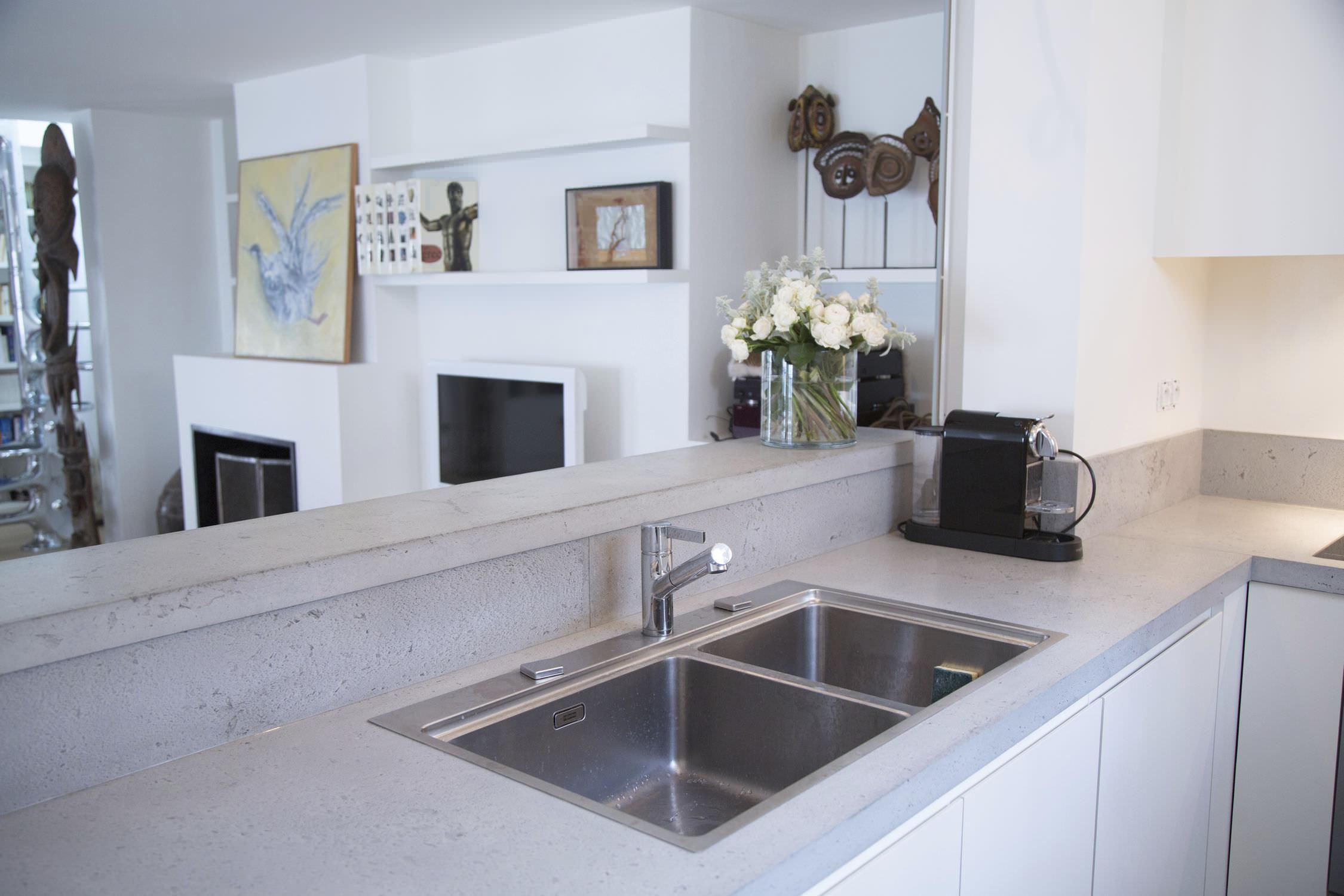 Beton-Arbeitsplatte / Küchen - Cuisine & crédence en béton ...