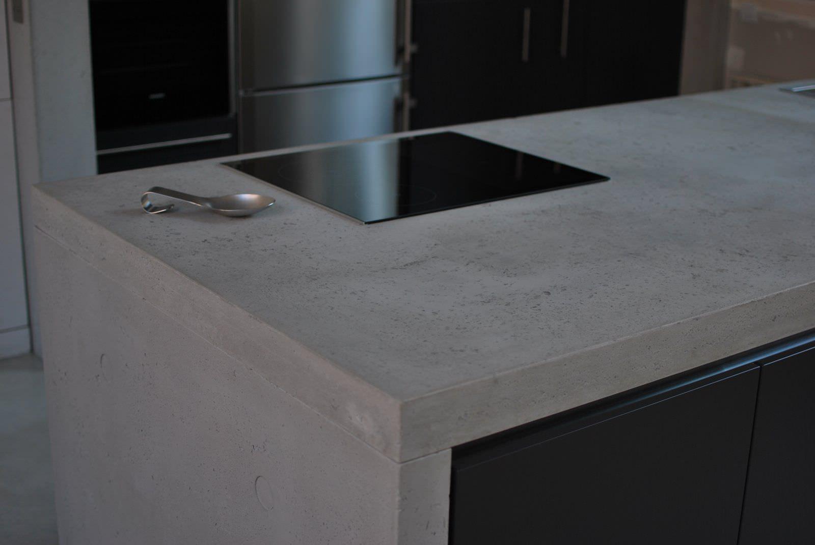 Beton-Arbeitsplatte / Küchen - plan de travail en Béton Brut ...