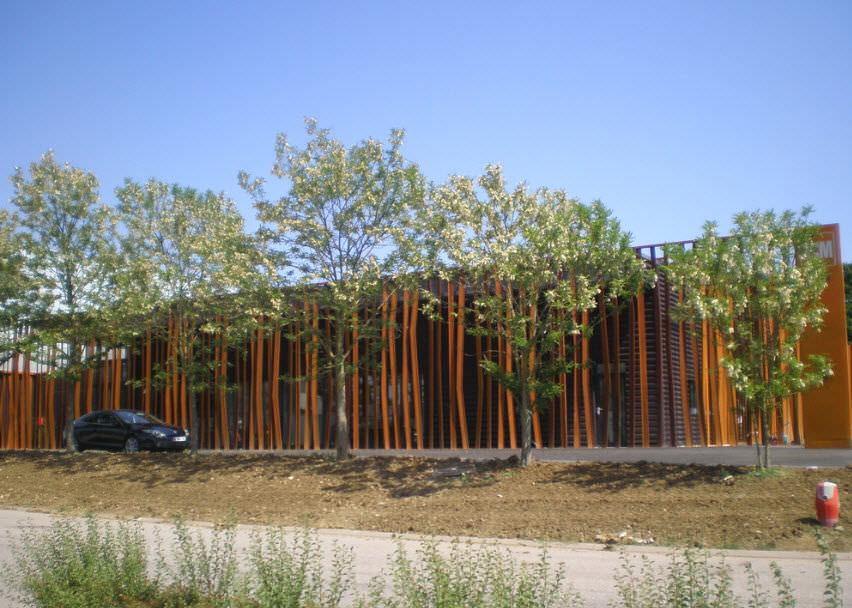 wetterfester Baustahl Cor Ten in Rost Optik für Fassaden