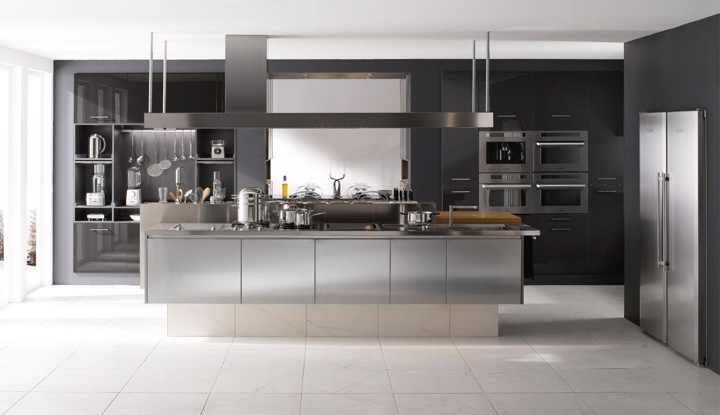 Moderne küche aus edelstahl kochinsel inspiration professionnelle