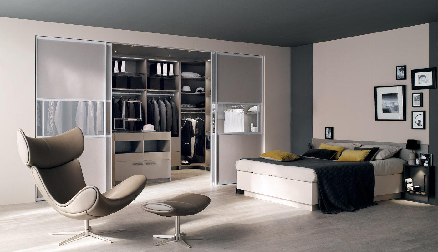 Schiebetür Begehbarer Kleiderschrank moderner begehbarer kleiderschrank glas melamin schiebetüren