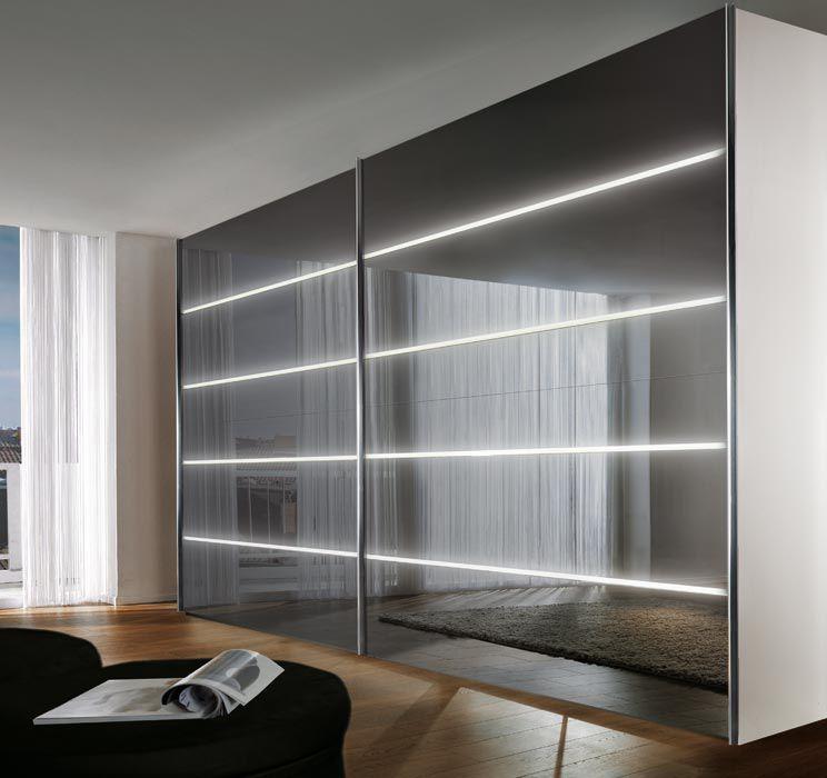 Moderner Kleiderschrank Hochglanzlackiertes Holz Glas