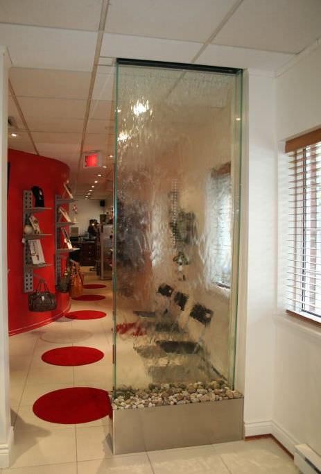 Selbsttragende Wasserwand / Glas - SALON DE COIFFURE - Espace d\'eau ...