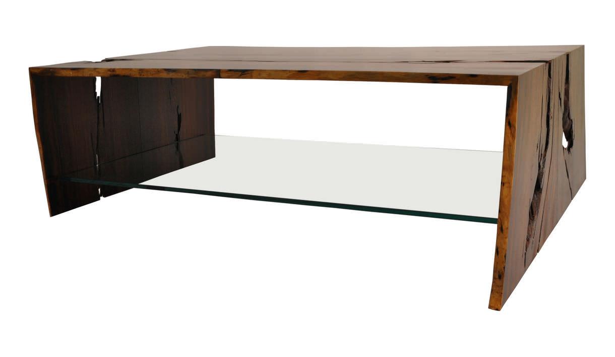 Moderner couchtisch holz rechteckig innenraum raw edge