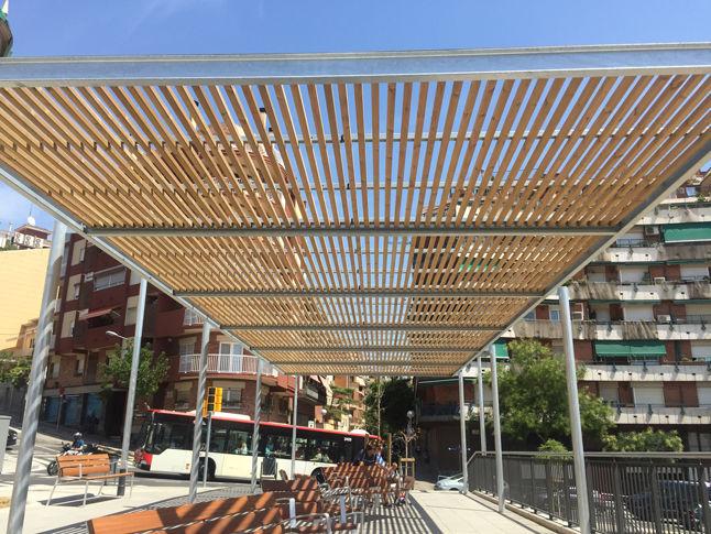Selbsttragende Pergola / aus verzinktem Stahl / Holzdach ...
