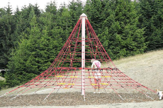 Klettergerüst Pyramide : Kletternetz für spielplätze pyramide cheops midi 4643 2b pro urba