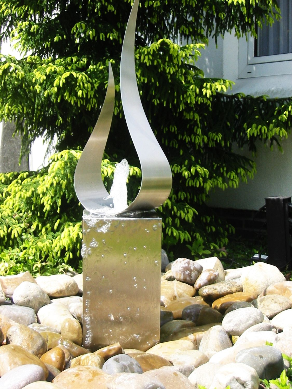 Garten Springbrunnen / Edelstahl   FLAME FOUNTAIN