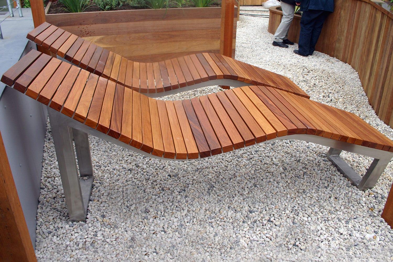 Moderne Sonnenliege Holz Edelstahl Fur Offentliche Bereiche